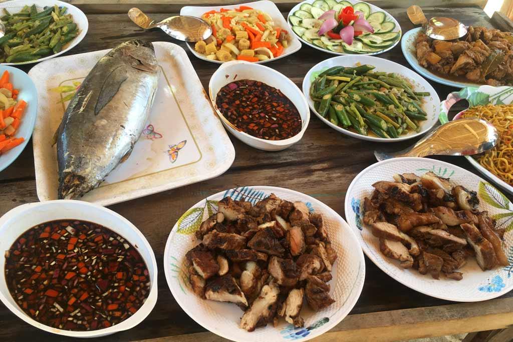 Repas traditionnel philippin